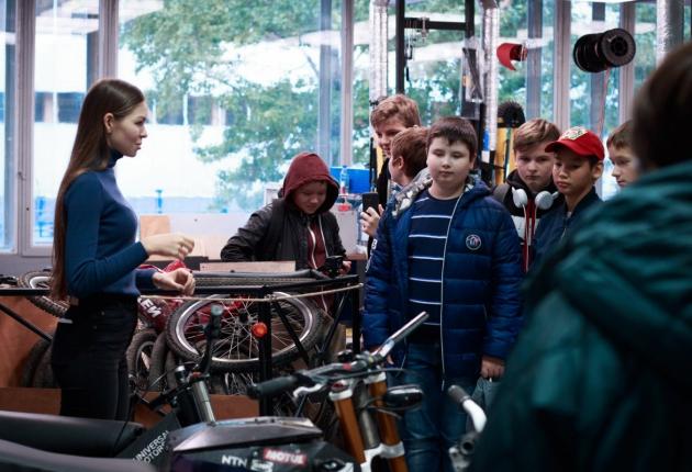 Ассоциация «Автонет» провела экскурсию в Московском Политехе для школьников