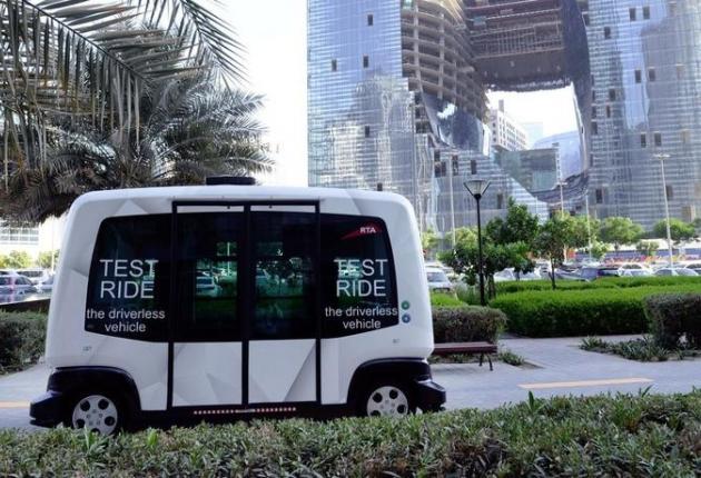В Дубае клиентов торгового центра будут перевозить на беспилотных авто