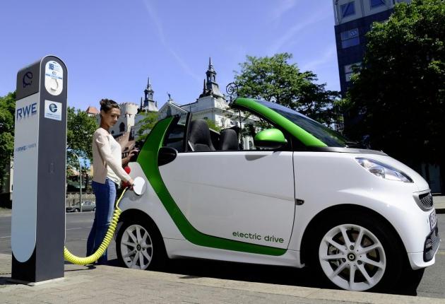 Автоконцерны заставят производить электромобили