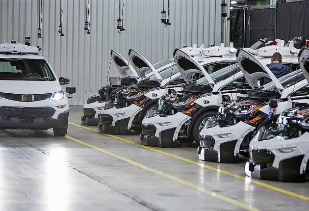 GM пускает беспиолотники в серию
