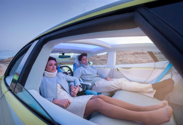 NVidia представила первый компьютер для полностью беспилотного авто