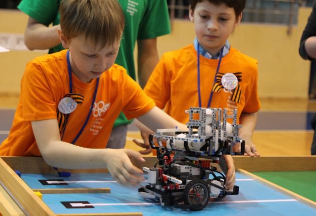 В Самаре проходят соревнования по робототехнике