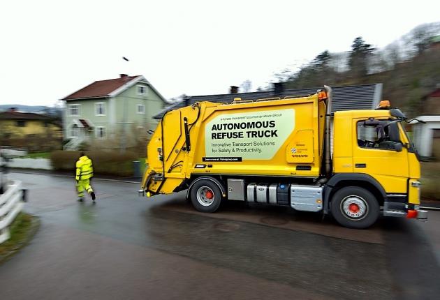 Компания Volvo запустила беспилотный мусоровоз