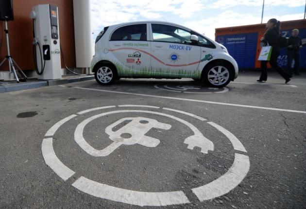 Парковка для электромобилей в Москве